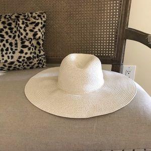 Cream Beach Floppy Hat Never Worn!